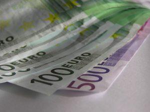 Kupon w wysokości 2500 euro na przebranżowienie się lub dalszą edukację